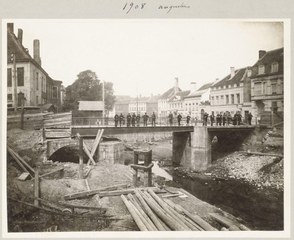 Gent: de oude Minnemeersbrug voor de afbraak, augustus 1908 - Constant D'Hoy - © Stad Gent, De Zwarte Doos, Stadsarchief